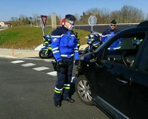 Coronavirus : les gendarmes équipés de visières Made in Loire et Haute-Loire