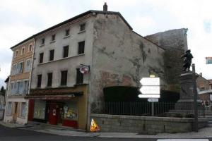 Le street art s'invite à Craponne-sur-Arzon avec NeSpoon
