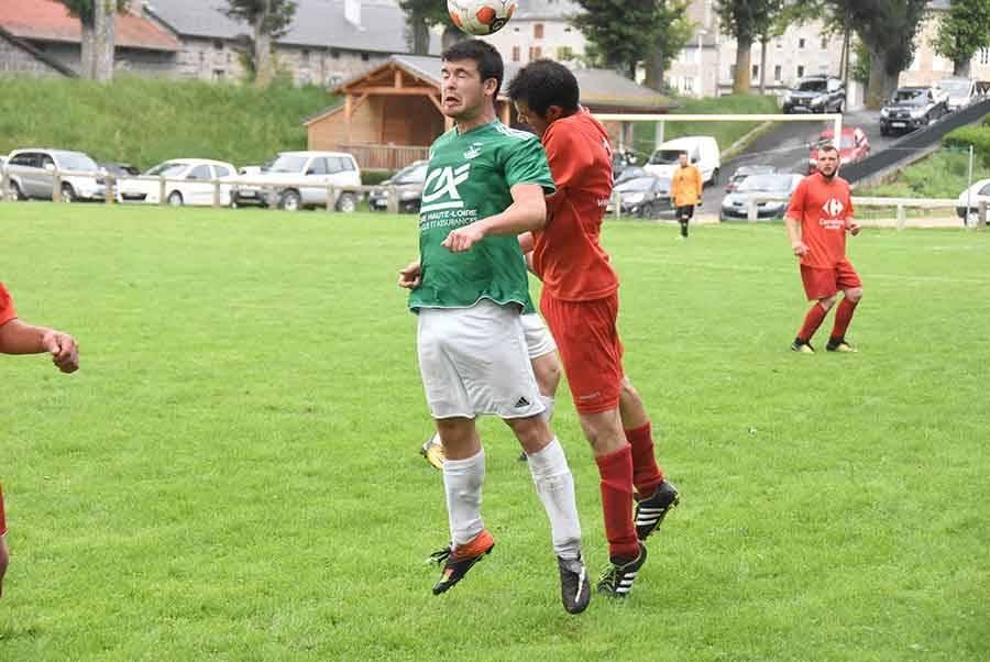 Foot : Tence accroché par Beauzac, Freycenet n'en profite pas