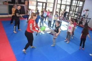 Des enfants à l'école des Jeux Olympiques et Paralympiques