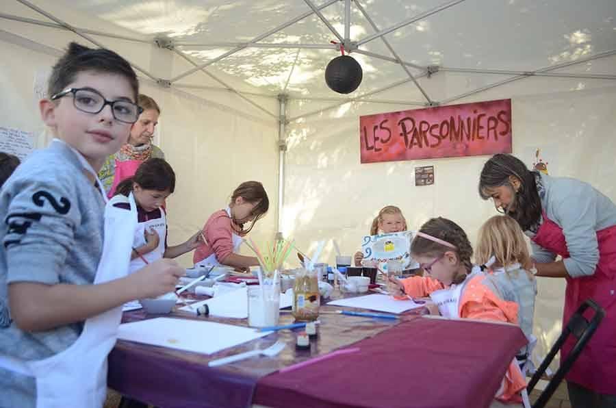 Un atelier de peinture avec les Parsonniers.