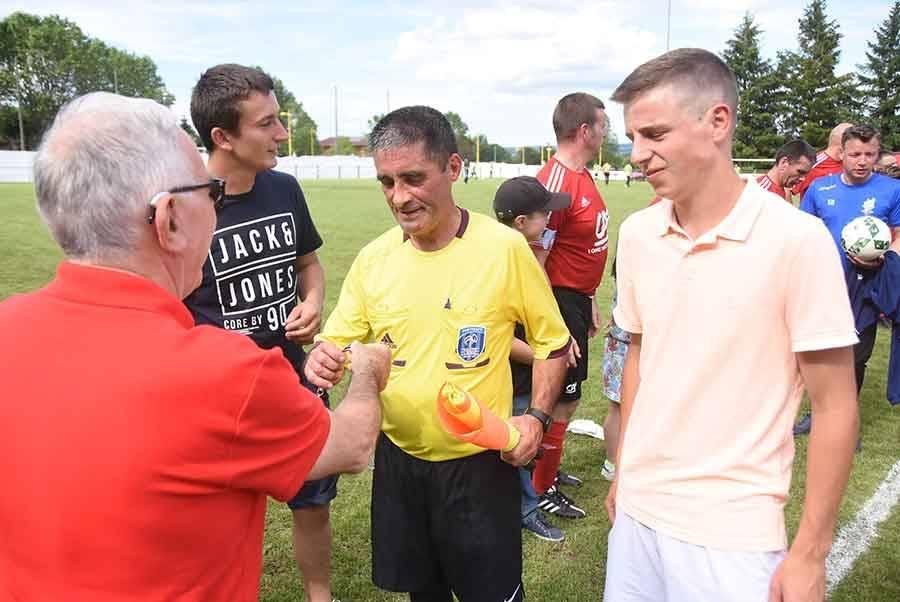 Foot : Dunières soulève le premier Trophée des loisirs