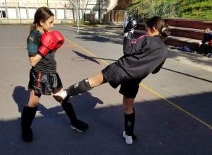 Puy-en-Velay : une initiation au kick-boxing en extérieur pour les jeunes du Val-Vert