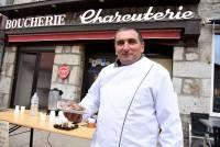 Fabrice Franc a eu l'occasion de faire goûter ses produits lors de la Foire aux morilles de Riotord.