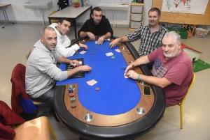 Mazet-Saint-Voy : des joueurs relancent le club de poker
