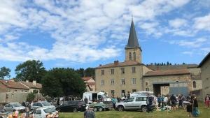 Saint-Julien-Molhesabate : c'est l'effervescence ce dimanche dans le bourg