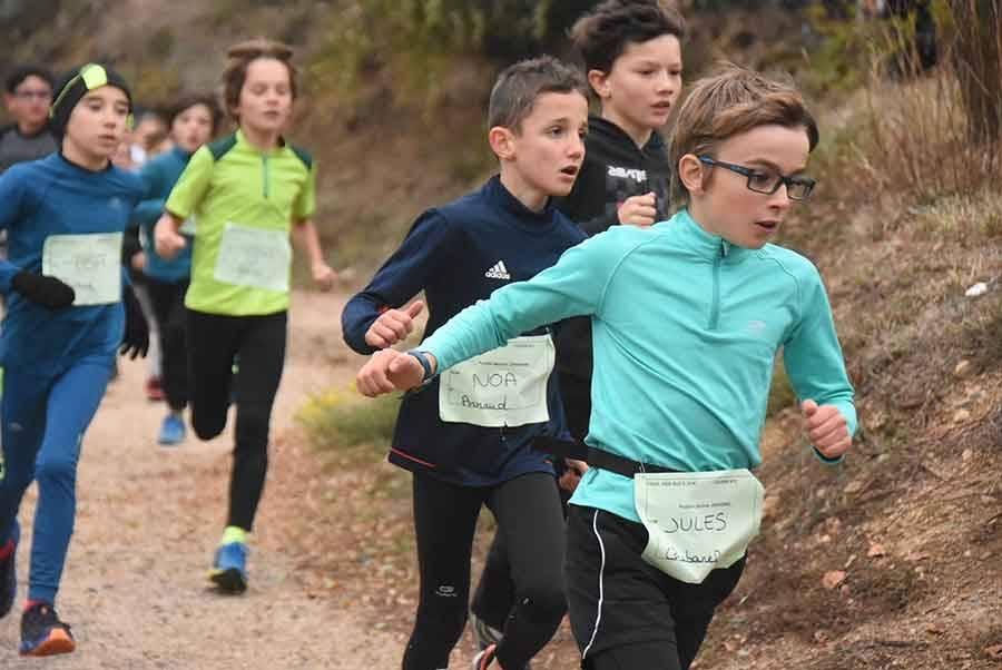 Yssingeaux : 82 enfants inaugurent le 3e Trail des Sucs