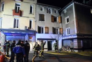 Yssingeaux : une défaillance électrique déclenche un incendie d'immeuble sur la place Carnot