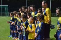 L'USSL avant le coup d'envoi avec les jeunes U11 du club.